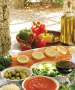 продукты средиземноморской кухни на столе